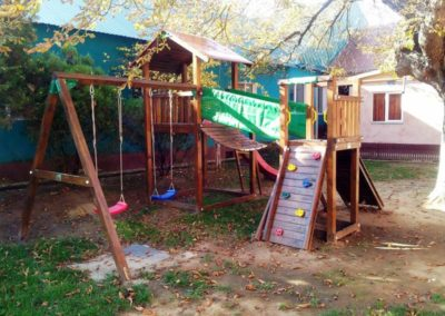 Ansamblu Jungle Gym tobogan, turn, Modul Swing extra 2 leagane, Modul Bridge perete de catarare, Modul Bridge Link pod - Salonta