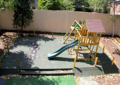 Ansamblu de joaca Jungle Gym Cabin cu Modul Climb perete de catarare si Modul Swing leagan - 3