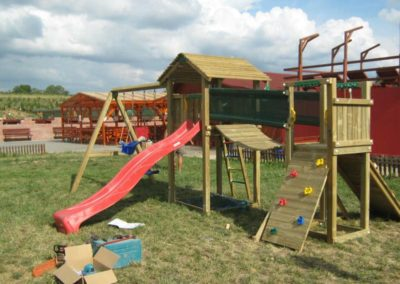 Ansamblu de joaca Jungle Gym turn, tobogan, Modul Climb extra perete de catarare, Modul Swing Extra 2 leagane - Sarcau