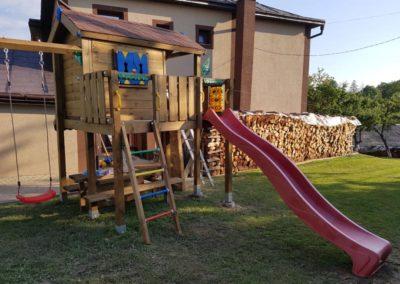 Loc de joaca casuta copac Playhouse cu Modul Tic tac toe joc X si O si Swing Extra 1 leagan