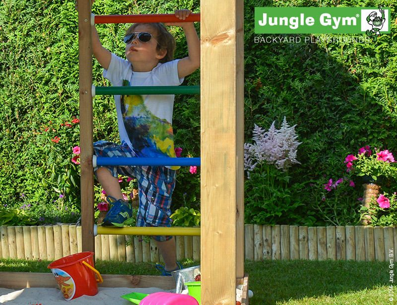 climbing-frames-and-slides-jungle-hut-8
