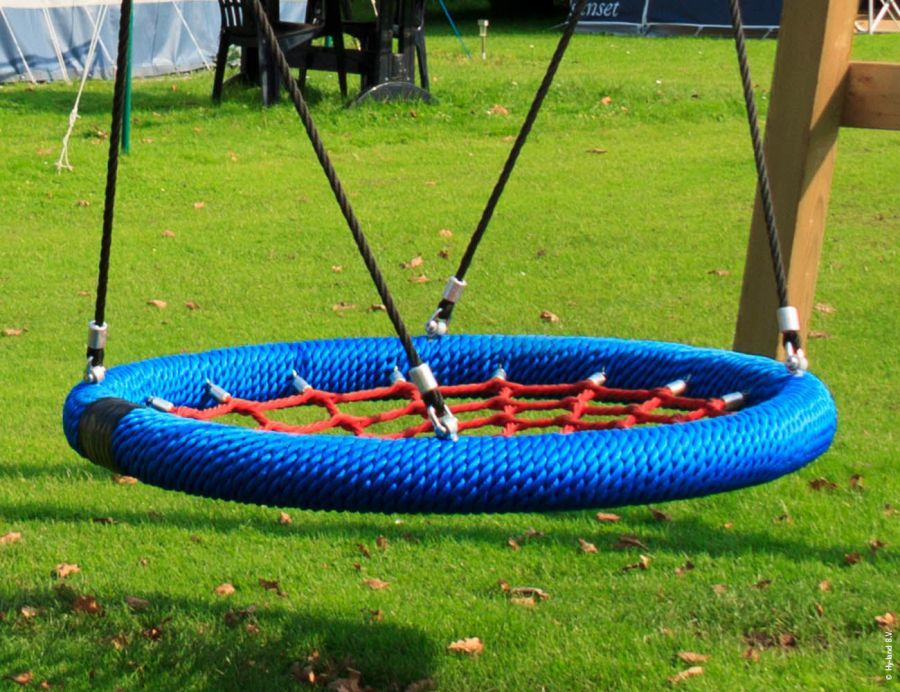 scoala-swing-sets-nest-swing-set-1
